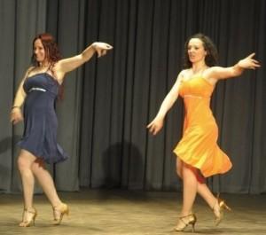 Un momento di una performance delle Sorelle Di Liso, titolari della Paradise Dance