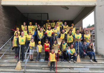 35 volontari per pulire la città